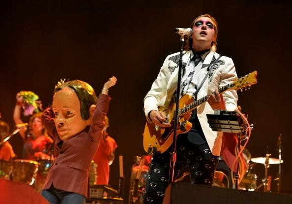 Arcade Fire covers 'Dust in the Wind' at show in Kansas City