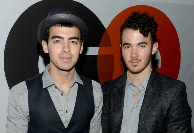 Kevin and Joe Jonas announce live interactive shows 'Off the Record'