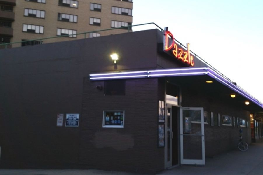 DazzleJazz serves up great music with good eats and smooth booze