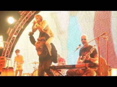 Shunned by radio, The Flaming Lips find success as a festival mainstay
