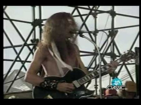 Ted Nugent mixes political controversy with amazing music