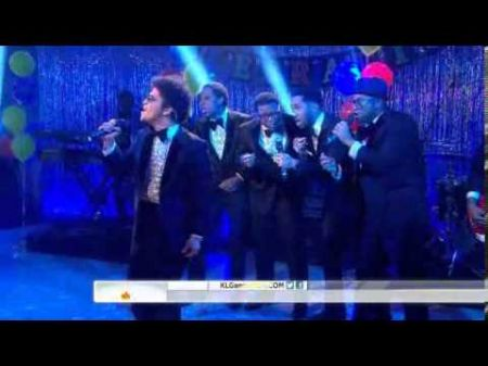 Bruno Mars performs 'White Christmas' on 'Today'
