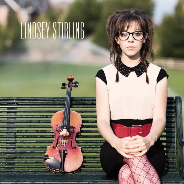 Lindsey Stirling combines unique style of dance with art of playing violin