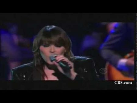 Beth Hart finds her way with the blues