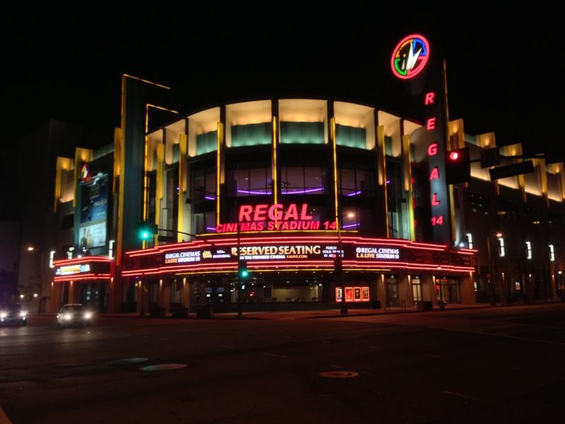 A Complete Guide To Regal Cinemas L A Live Stadium 14 Axs