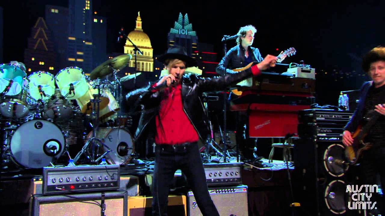 Beck, Skrillex among artists playing small late night shows during ACL Festival