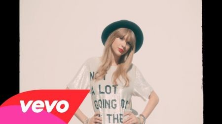 Taylor Swift releases official '22' music video