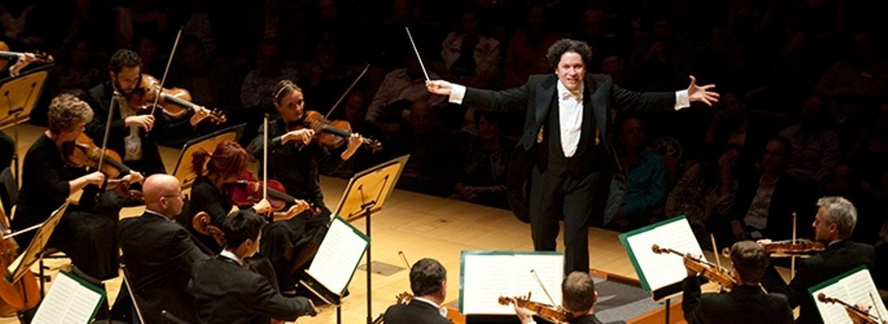 dudamel and la phil orchestra triumph in study of mahler