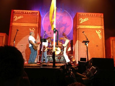 Neil Young, Patti Smith Rock Madison Square Garden
