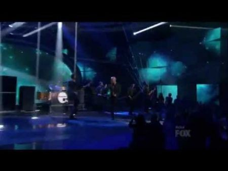 Daughtry debuts 'Out of My Head' on American Idol