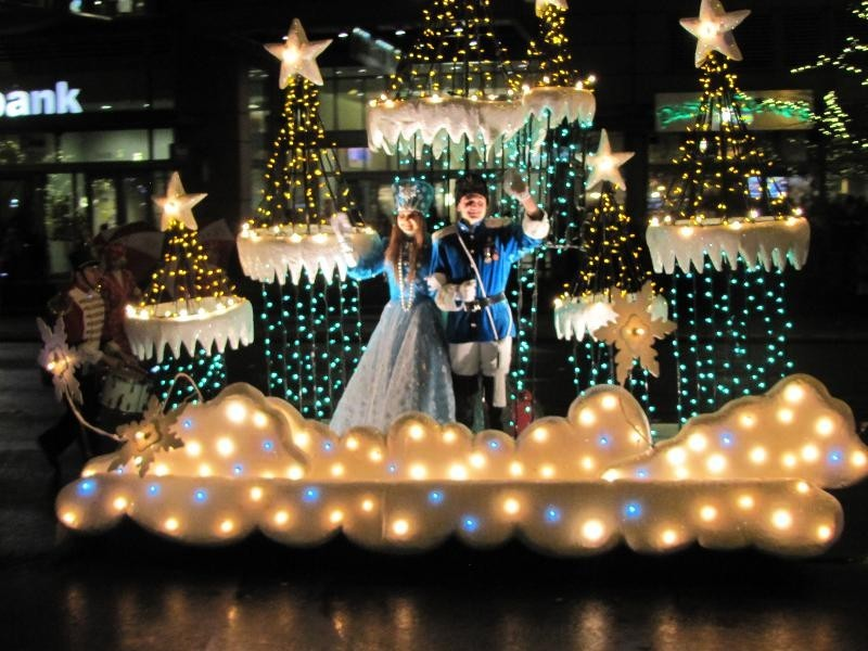 Best places to see Christmas lights in Kansas City - AXS