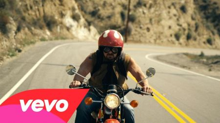 Nickelback debuts new single and video 'Get 'Em Up'