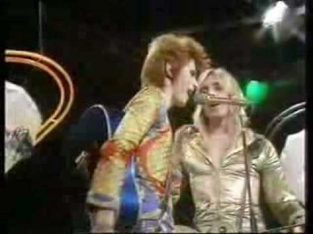 AXS TV honors rock icon David Bowie with 'Ziggy Stardust' concert film