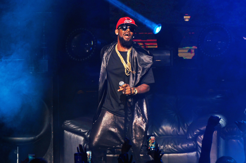 R.Kelly Cancels 4 Shows Due To Poor Ticket Sales