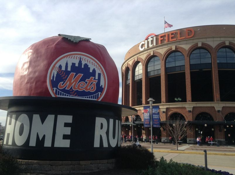 Mets star Juan Lagares is off to a hot start