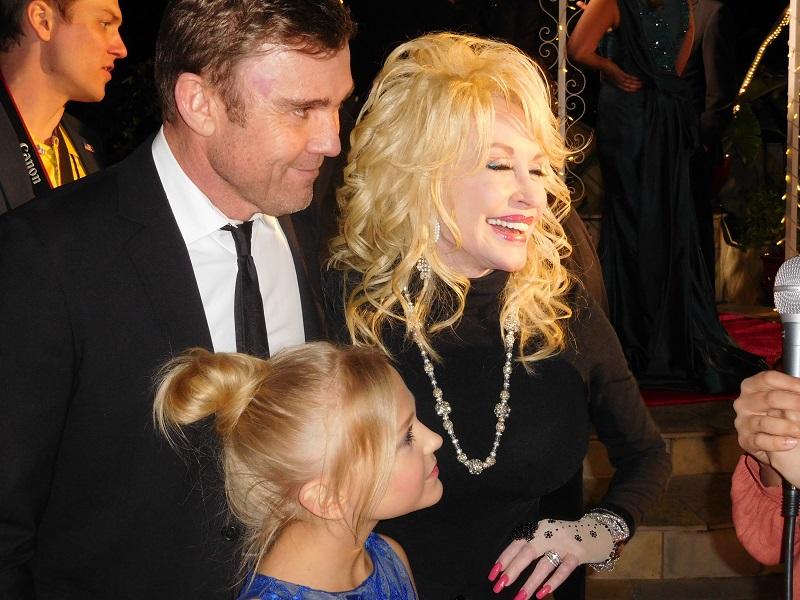 Austin Movie Examiner interviews Dolly Parton on Movieguide® Red Carpet