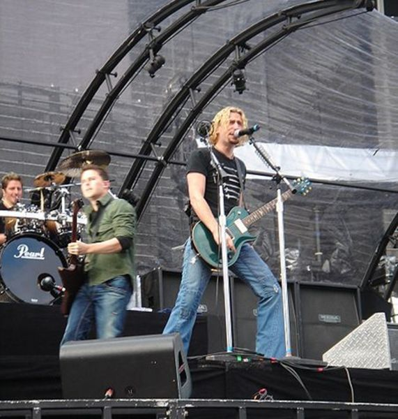 Chad Kroeger on stage with Nickelback in Dublin May 2006
