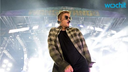 Justin Bieber hits the No. 1 spot on Artist 100 for first time