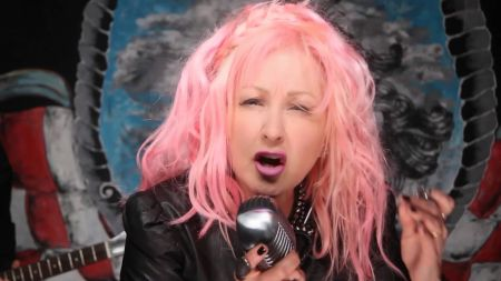 Cyndi Lauper makes North Carolina show an LGBT benefit