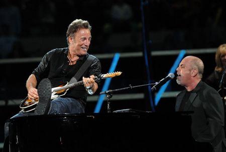 Billy Joel revealed thathe built the motorcycle on whichBruce Springsteen broke down last week.