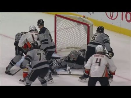 LA Kings goalie Jonathan Quick returns just in time for playoff push