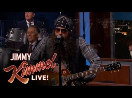 John Mayer disguises himself as a member of the 'Jimmy Kimmel Live' house band