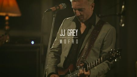 JJ Grey & Mofro announce Red Rocks show with Rich Robinson's The Magpie Salute and North Mississippi Osborne