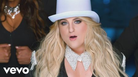 Meghan Trainor cuts loose in music video for 'I'm a Lady'