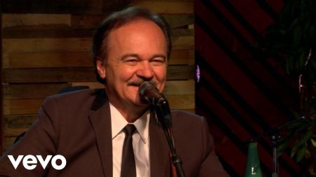 Country Music Hall of Famer, Jimmy Fortune takes on the classics with new solo album