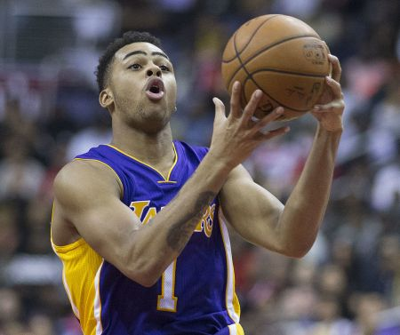 Los Angeles Lakers point guard D'Angelo Russell receives praise for play from head coach Luke Walton after loss to Washington Wizards.