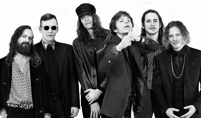 Cage the Elephant: Live and Unpeeled
