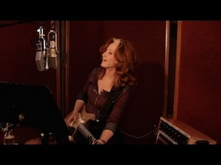 Bonnie Raitt announces additional summer dates for her Dig In Deep tour