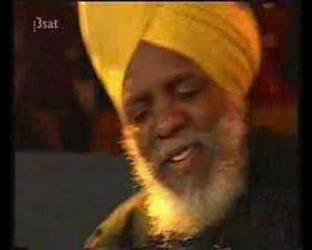 Award-winning keyboardist Dr. Lonnie Smith to chill-out Jazz Fest