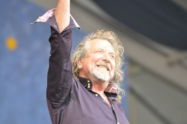 Robert Plant mixes in Zeppelin classics at Jazz Fest for the perfect performance