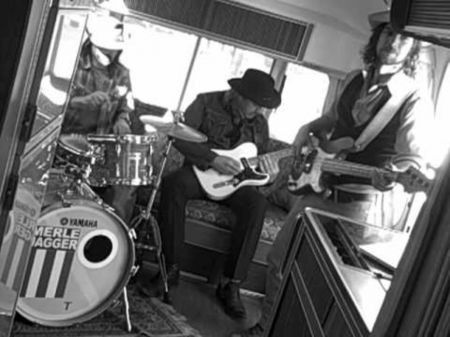Merle Jagger plays instrumental country that will get you moving