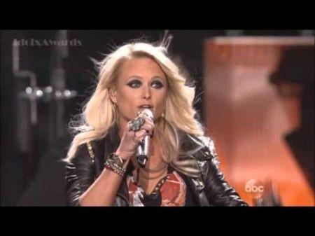 Carrie Underwood, Miranda Lambert's 'Somethin' Bad' is something really good