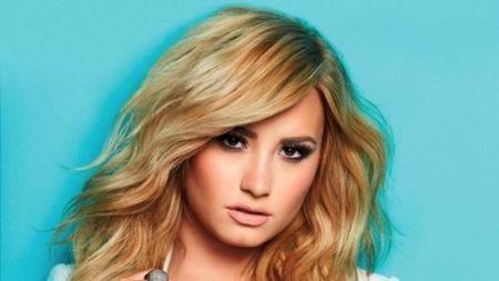 Demi Lovato lets it go