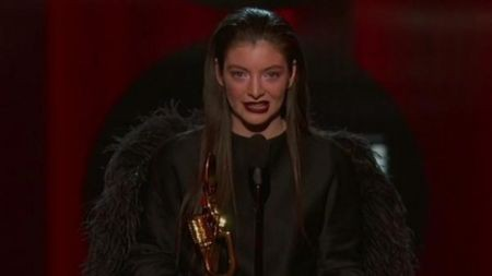 Lorde's rich voice brings honest angst to the stage