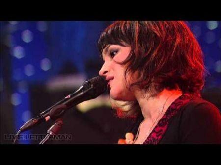Norah Jones's soulful sincerity crosses genres
