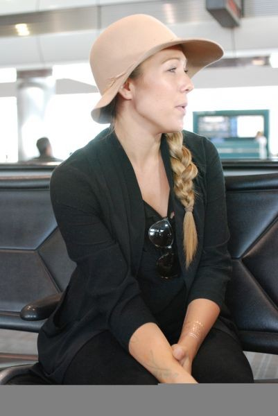 Exclusive: Colbie Caillat shines 'Brighter Than the Sun' at 35,000 feet