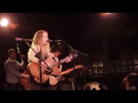 Alice Wallace organizes a weekly country showcase in Fullerton