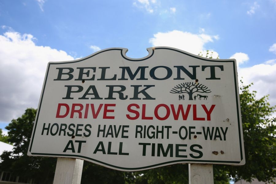 Belmont Stakes 2014: Fans begrudgingly deal with high drink prices and ATM fees