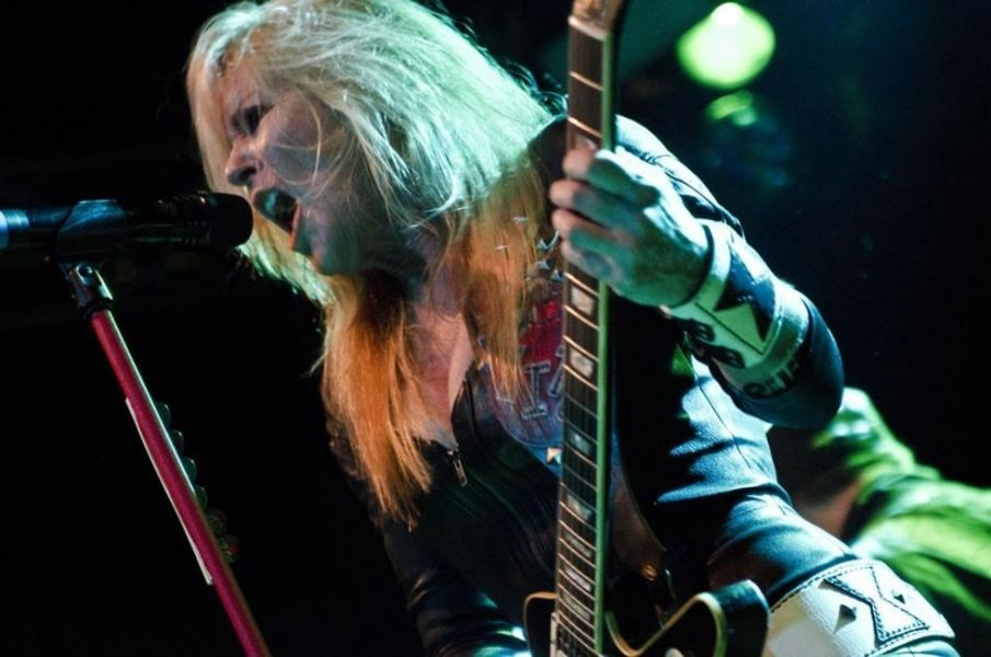 Lita Ford continues her reign as the Queen of Metal