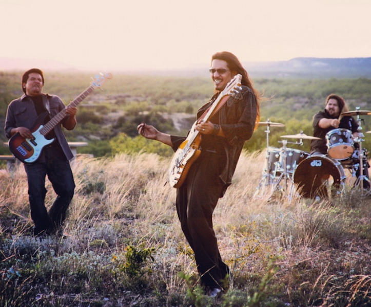 Los Lonely Boys make music of brotherly love