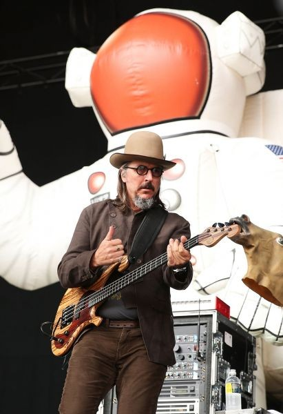 Primus races into New York area