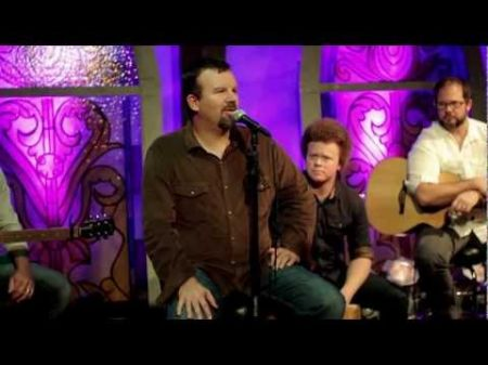 Casting Crowns mixes massive Christian rock success with hands-on ministry