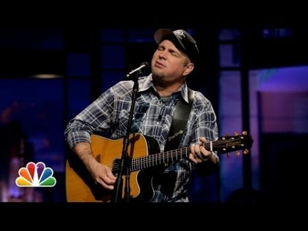 Garth Brooks teases Thursday press conference announcing ... something