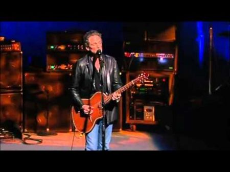 Lindsey Buckingham considered one of the greatest guitarists of all time