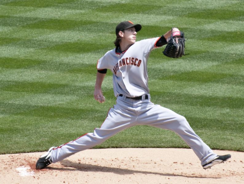 Giants keep losing at home, now officially chasing Dodgers in tight NL West race