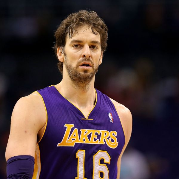 Pau Gasol jumps to the Windy City contender